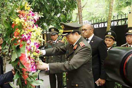 Doan dai bieu Bo Cong an vieng Lanh tu Cuba Fidel Castro - Anh 1