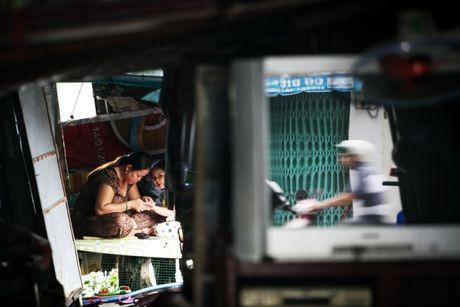 Cuoc song trong khu o chuot o Sai Gon - Anh 9