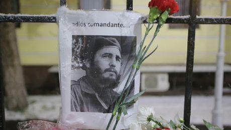 Nguoi dan the gioi tuong niem Fidel Castro - Anh 1