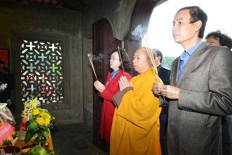 Lanh dao TP dang huong tuong niem Tong doc Thanh Ha Noi Nguyen Tri Phuong - Anh 1