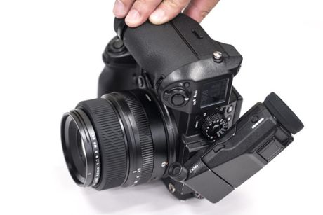 Day la tieng man trap cua chiec may anh medium format dau tien cua Fujifilm - Anh 3