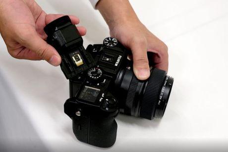 Day la tieng man trap cua chiec may anh medium format dau tien cua Fujifilm - Anh 5