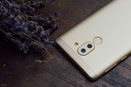 6 smartphone dang chu y se ban chinh hang thang 12 - Anh 6