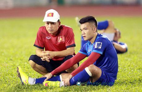 AFF Cup 2016: HLV Huu Thang lo lang vi Hoang Thinh tai phat chan thuong - Anh 10