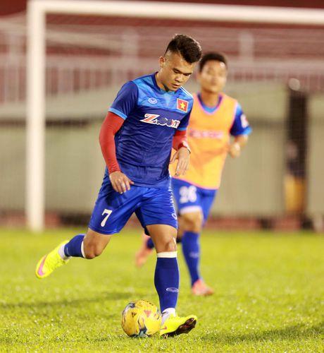 AFF Cup 2016: HLV Huu Thang lo lang vi Hoang Thinh tai phat chan thuong - Anh 5