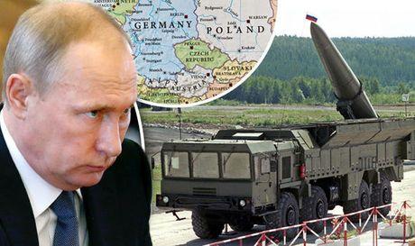 Nga choi 'con bai' khien My-NATO khiep hai - Anh 1