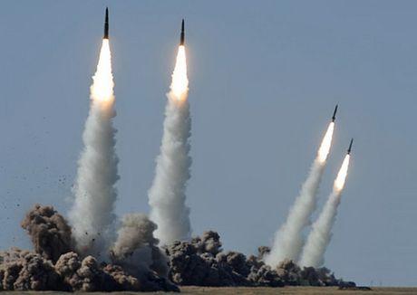 Nga choi 'con bai' khien My-NATO khiep hai - Anh 5