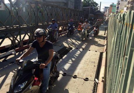 Thong xe 2 cau sat Hang Trong, xoa ket xe duong Phan Van Tri - Anh 1