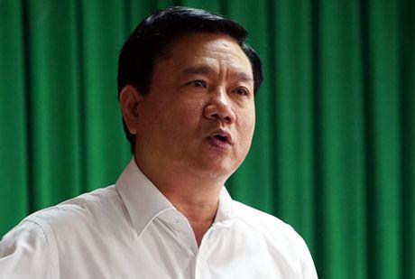 Ong Dinh La Thang yeu cau TP HCM thue truc thang chua chay - Anh 1