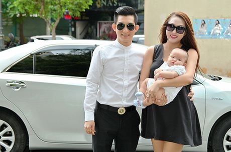 Phi Thanh Van tim thay hanh phuc truoc day chua tung co ben chong tre - Anh 1