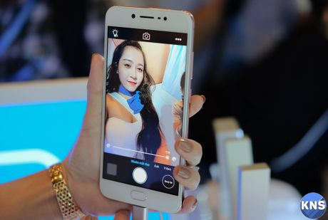 Lo dien chiec smartphone co camera truoc 20 MP - Anh 7