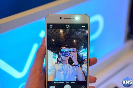 Lo dien chiec smartphone co camera truoc 20 MP - Anh 8
