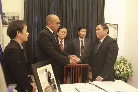 Bo truong Bo Cong an To Lam tham vieng lanh tu Fidel Castro Ruz - Anh 4