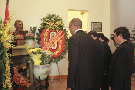 Bo truong Bo Cong an To Lam tham vieng lanh tu Fidel Castro Ruz - Anh 5