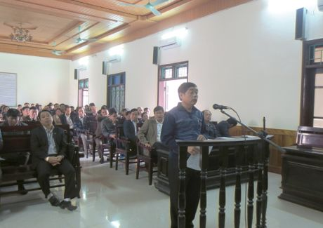 Nguyen chu tich huyen Ky Anh ban nha khong du khac phuc - Anh 3