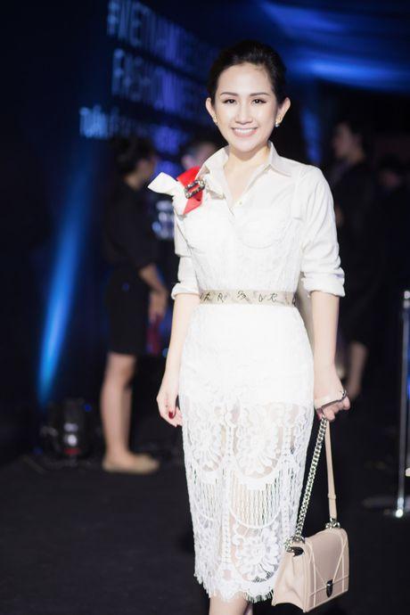 Tram Nguyen noi bat tai Vietnam Designer Fashion Week 2016 - Anh 2