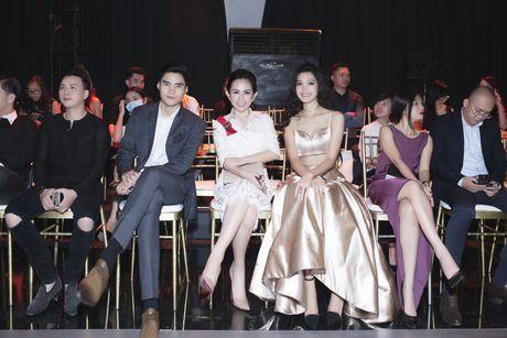 Tram Nguyen noi bat tai Vietnam Designer Fashion Week 2016 - Anh 4