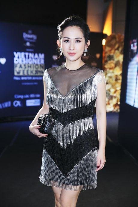 Tram Nguyen noi bat tai Vietnam Designer Fashion Week 2016 - Anh 7