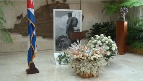 Cuba cong bo hinh anh hop dung tro cot lanh tu Fidel Castro - Anh 1