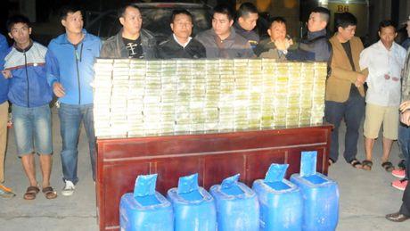 Pho Thu tuong gui thu khen CA Phu Tho vu bat 300 banh heroin - Anh 1