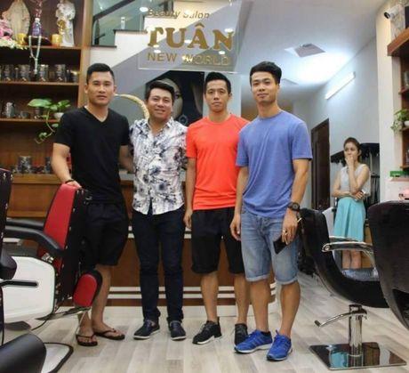 AFF Cup 2016: Cong Phuong xuong toc va dong tam su la - Anh 1