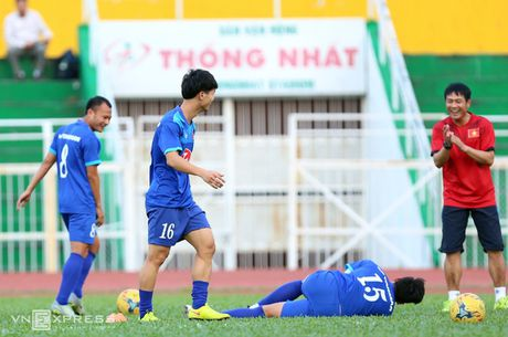 Cong Vinh, Cong Phuong tap dut diem cho ban ket AFF Cup - Anh 2