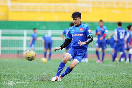 Cong Vinh, Cong Phuong tap dut diem cho ban ket AFF Cup - Anh 8