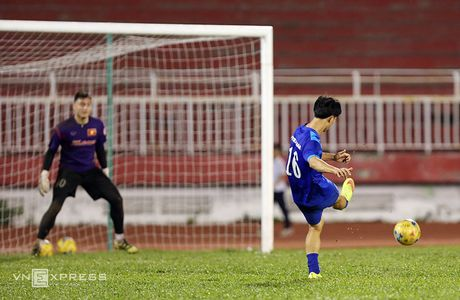 Cong Vinh, Cong Phuong tap dut diem cho ban ket AFF Cup - Anh 9