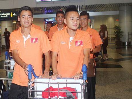 Minh Tuan chia tay tuyen Viet Nam truoc tran ban ket voi Indonesia - Anh 2