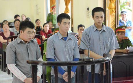 Kien Giang: Hon chien o quan bar, 1 nguoi bi dam chet - Anh 1