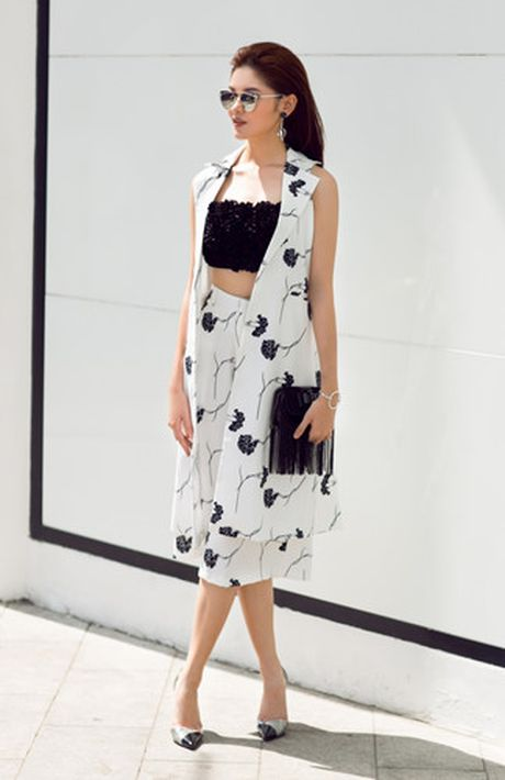 A hau Thuy Dung xuong pho voi street style ruc ro - Anh 5