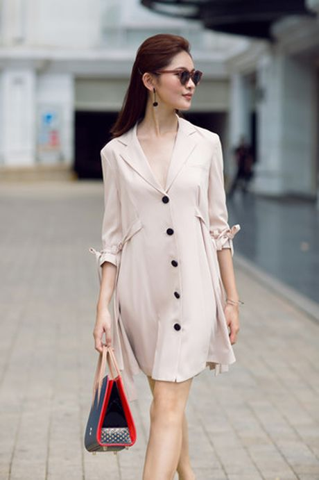 A hau Thuy Dung xuong pho voi street style ruc ro - Anh 9