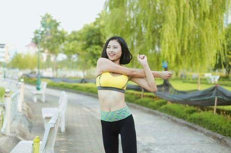 Nguoi dep Dao Thi Ha luyen dang sexy ma chang can gym - Anh 1