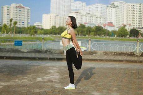 Nguoi dep Dao Thi Ha luyen dang sexy ma chang can gym - Anh 4