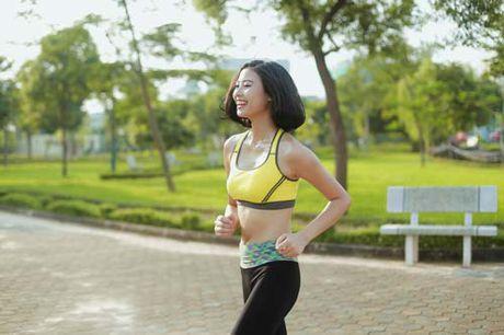 Nguoi dep Dao Thi Ha luyen dang sexy ma chang can gym - Anh 9