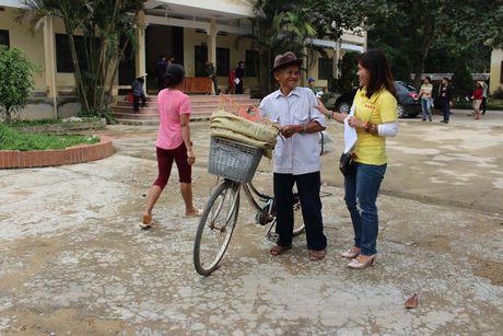 Bao NTNN/ Dan Viet: Ho tro con giong cho ba con vung ron lu - Anh 5