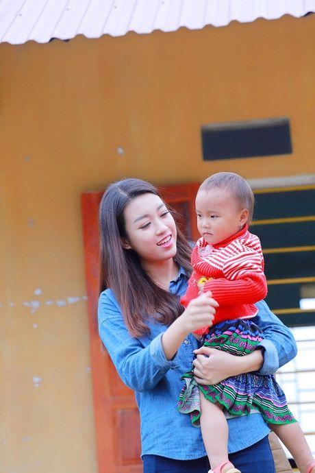 Du mac gian di, hoa hau My Linh van dep 'don tim' - Anh 6