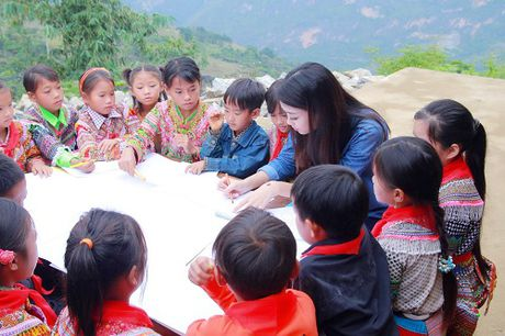 Du mac gian di, hoa hau My Linh van dep 'don tim' - Anh 7