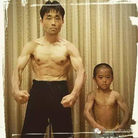 Choang voi truyen nhan 6 tuoi bung 6 mui cua Ly Tieu Long - Anh 8