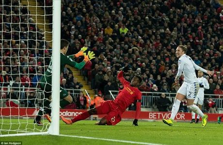 Liverpool 2-0 Leeds Utd: Jurgen Klopp lai ghi diem - Anh 3