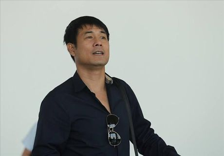 HLV Huu Thang noi gi ngay len duong di Indonesia da ban ket AFF Cup? - Anh 1