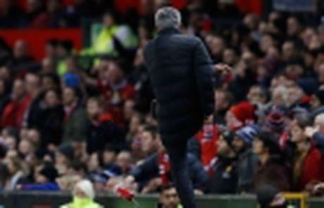 Khong thay doi, Mourinho se bi duoi 6 lan nua - Anh 2
