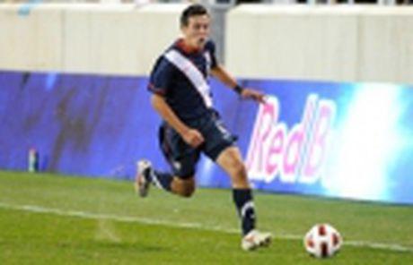 Diem tin chieu 30/11: Nha vo dich V-League troi chan tru cot, Mourinho can thay doi - Anh 4