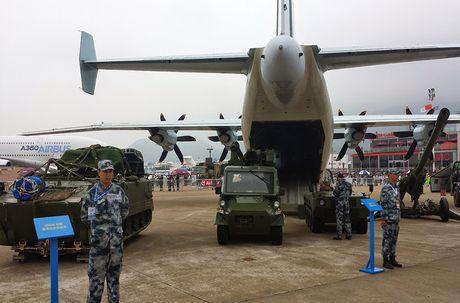 Lo nuoc dau tien dam mua van tai co Y-9E Trung Quoc - Anh 3