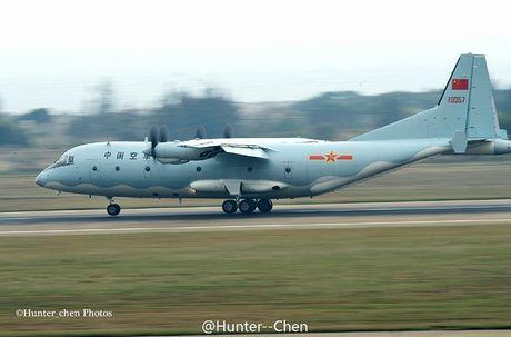 Lo nuoc dau tien dam mua van tai co Y-9E Trung Quoc - Anh 5