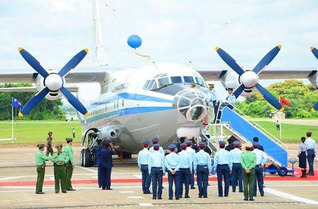 Lo nuoc dau tien dam mua van tai co Y-9E Trung Quoc - Anh 8
