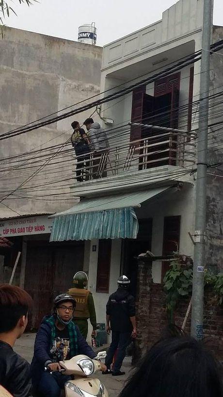 Hai Phong: Cong an no sung vay bat ke om binh gas co thu - Anh 2