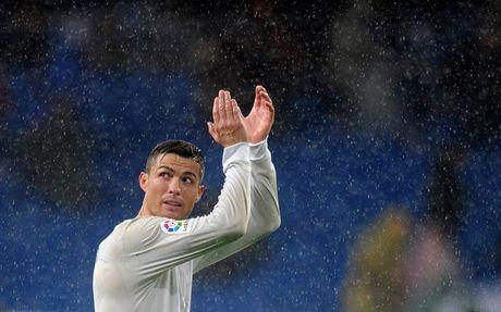 Zidane giu suc cho Ronaldo truoc tran Sieu kinh dien - Anh 1