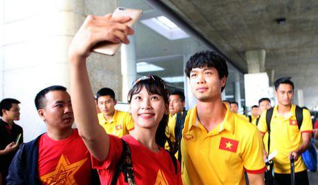 Anh Khoa, Toc Tien hat cuc sung ca khuc co vu doi tuyen Viet Nam tai AFF Cup - Anh 1