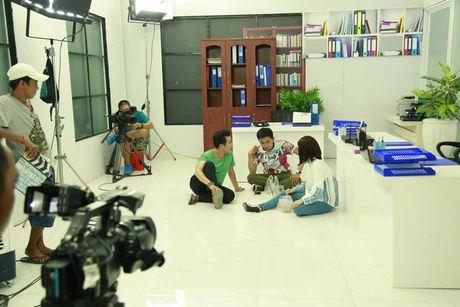 He lo hinh anh hau truong sitcom moi Xin chao ong chu - Anh 3